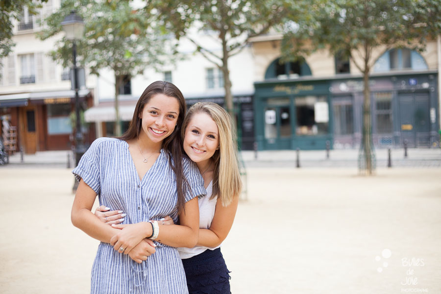 Top 5 gardens for a family photoshoot in Paris. Family portraits in Place Dauphine.