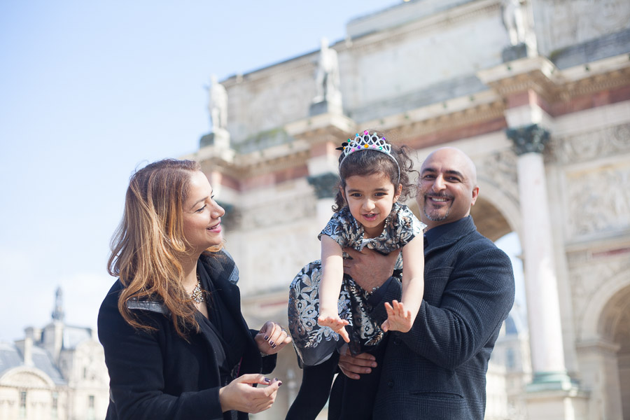 Paris family photoshoot at the Louvre